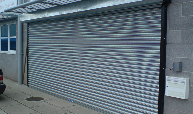retail-shutter-doors-kent-sector-light-box-04-lrg Retail