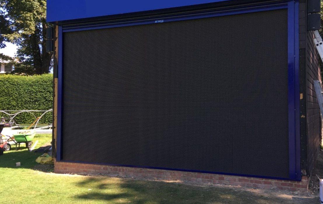 media-screen-roller-shutter-min-1107x700 Projects