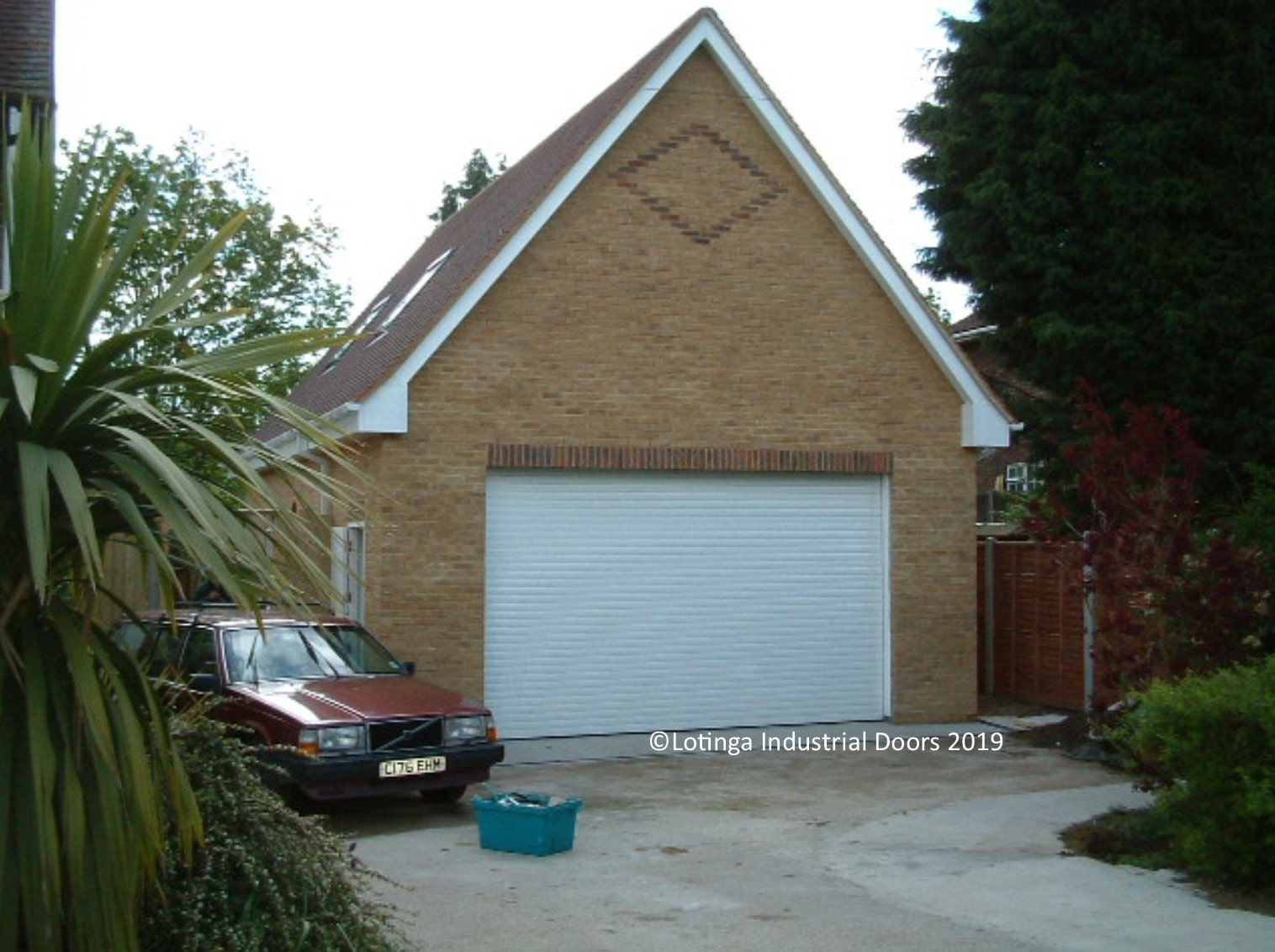 white-domestic-garage-shutter-min Roller Shutter Garage Doors