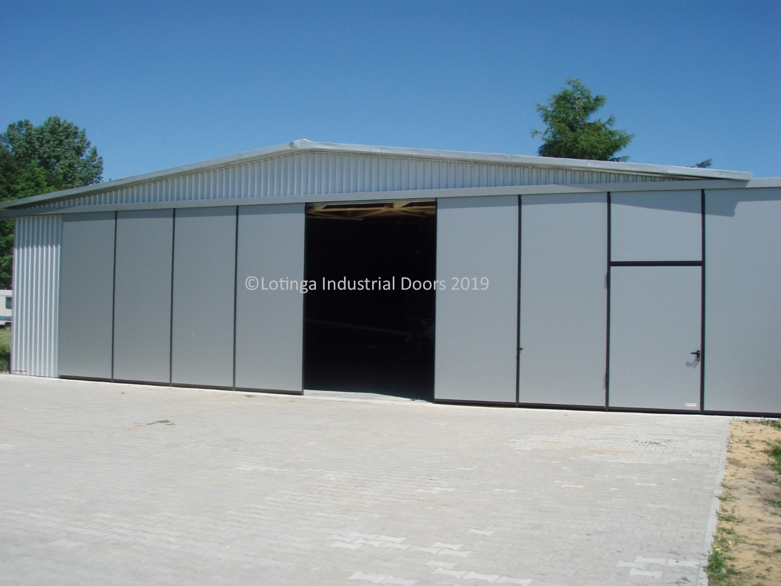 flux-bi-folding-doors-min Industrial Sliding and Folding Doors